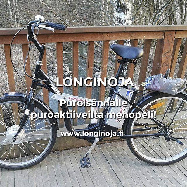 puroaktiivi Toni lahjoitti puroisännälle Matille upean sähköpyörän.