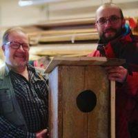 Malmin seurakunnan Nikkaripaja teki Longinojan telkkäpariskunnalle pöntön. Koko stoori www.longinoja.fi #