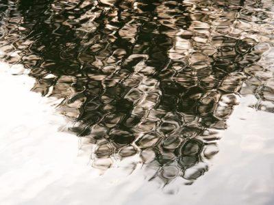 reflection-longinoja-helsinki-myhelsinki-vantaanjoki-finnishnature-finland-nature-naturephotography-