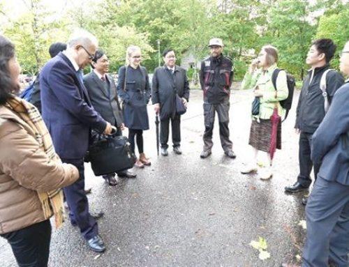 Vietnamin vesi- ja viemäriyhdistyksen jäsenet kävivät tutustumassa Longinojaan. Isäntinä Matti, Juha ja Toni. Mukana myös Laavu Filmin Dan.